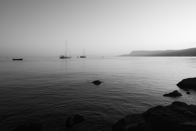 zwart wit zee